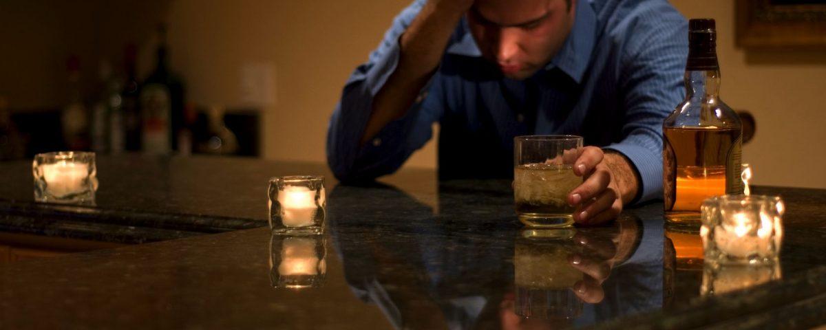 Как помочь алкоголику картинка